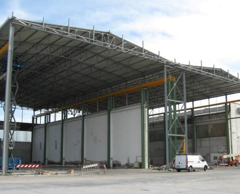 fabbricato in cemento innalzamento tetto in acciacio